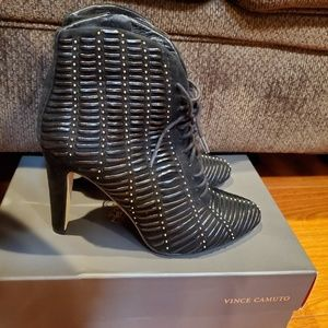 Barely Used Women's booties/boots